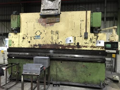 迪斯CNC折床安裝雷射光安